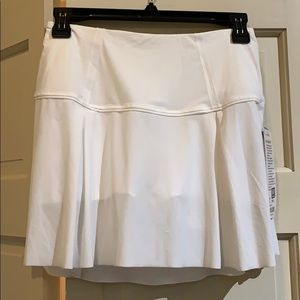 NWT lululemon white skirt skirt 4